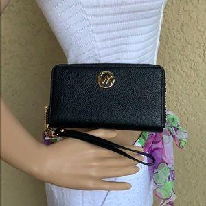 Michael Kors Fulton Lg Flat Phone Case Wristlet